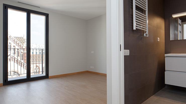 Áticos y pisos en venta obra nueva en Barcelona - Entrega viviendas Aragó 359 - Dormitorio - CASAÁTICO
